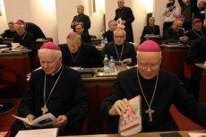 Duchowni podczas Zebrania Plenarnego Konferencji Episkopatu Polski.