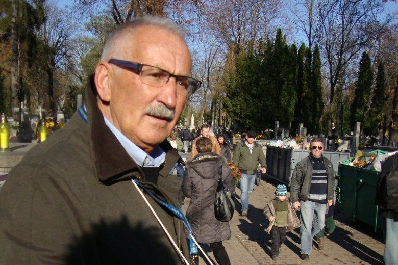 Paweł Deresz sprzeciwia się decyzji prokuratury o ekshumacji zwłok jego żony. Bezskutecznie, bo jak się dowiedział, ekshumacja nastąpi już w kwietniu, wbrew woli rodziny i nie czekając na wyrok Trybunału Konstytucyjnego.