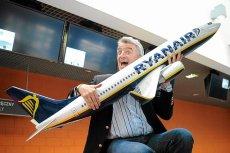 Ryanair wprowadza nowe zasady przewozu bagażu podręcznego. W podstawowej cenie będzie można zabrać mniej toreb. Tańczy i większy będzie za to bagaż rejestrowany w Ryanair.