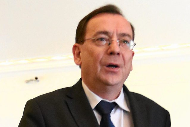 Minister Mariusz Kamiński uciekł przed sądem dzięki bezprawnemu ułaskawieniu przez prezydenta. Teraz chce zająć się organizacją pozarządową, która wzywała do pokojowego oporu społecznego przeciwko upartyjnieniu sądów przez PiS.