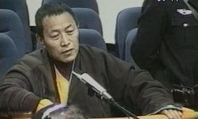 Tenzin Delek Rinpocze w więzieniu, rok po aresztowaniu.