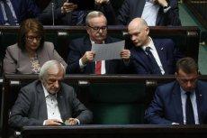 Przez Sejm i Senat przepchnięto ustawę o SN pełną błędów. Widać, jak wielka jest determinacja posłów PiS, by przejąć Sąd Najwyższy jeszcze przed wyborami samorządowymi.