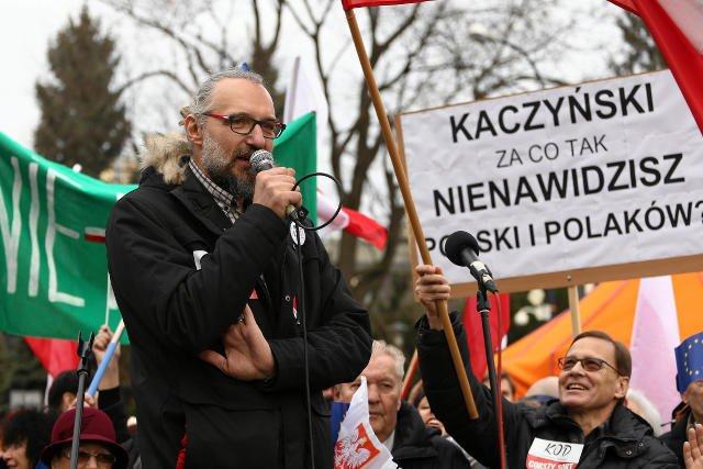 Kwota, którą Kijowski zawdzięcza KOD może być większa.
