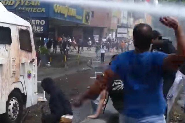 Od miesiąca w Wenezueli trwają protesty przeciwko rządzom prezydenta Nicolasa Maduro.