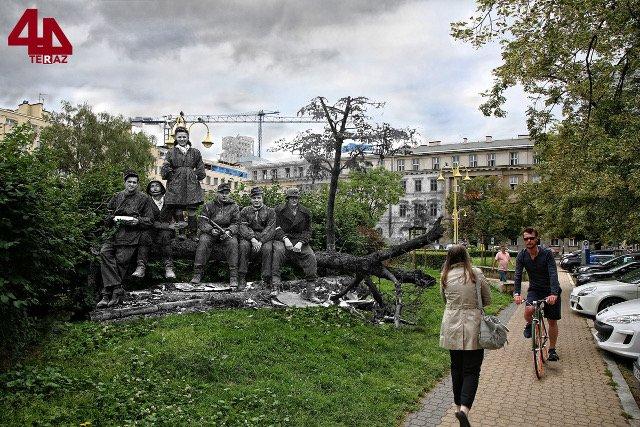 Plac Dąbrowskiego.