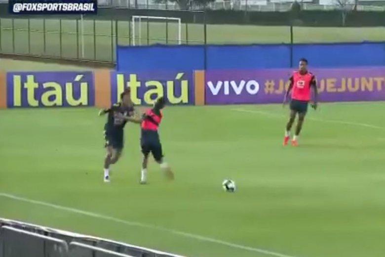 19-latek ośmieszył Neymara na treningu reprezentacji Brazylii. Gwiazdorowi PSG puściły nerwy.