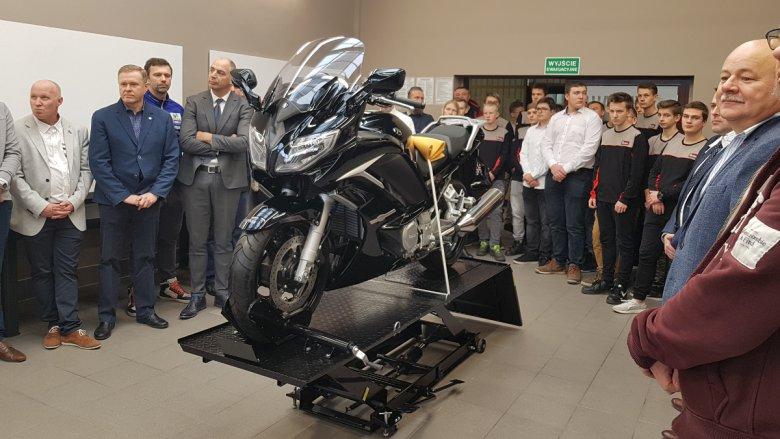 FJR 1300 – między innymi na tym motocyklu będą ćwiczyć uczniowie klasy Yamaha.