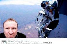 """W internecie pojawiają się memy wyśmiewające """"bohaterstwo"""" Jacka Kurskiego"""