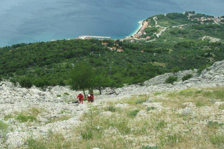 Chorwaccy ratownicy musieli pomóc polskim turystom, którzy wybrali się na wycieczkę po górach w klapkach.
