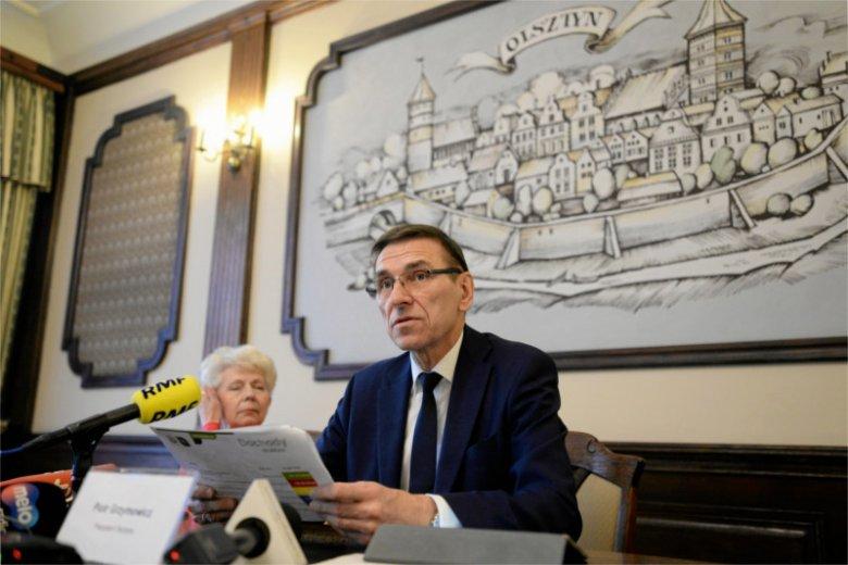 Prezydent Olsztyna Piotr Grzymowicz skrytykował wizytę posła PiS w olsztyńskim ratuszu.