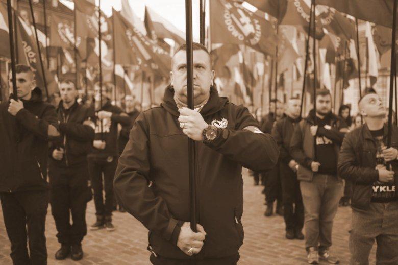 Członkowie ONR protestują przeciwko nazywaniu ich faszystami i nazistami.