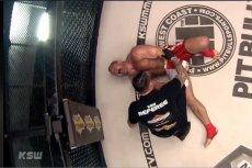 Pudzianowski musiał przerwać walkę z powodu kontuzji nogi.