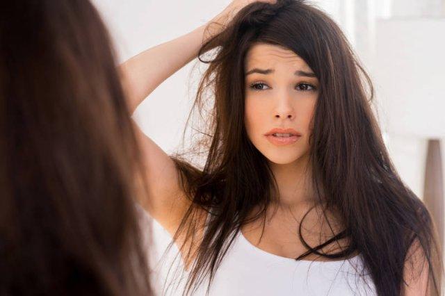 Popalone, ułamane na długości włosy to w porównaniu z innymi niedogodnościami niewielki problem, jakiego możemy doświadczyć, dbając o urodę w niewłaściwych salonach lub nieodpowiednimi kosmetykami czy akcesoriami...