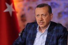 Prezydent Erdogan przeprowadza czystki w Turcji.