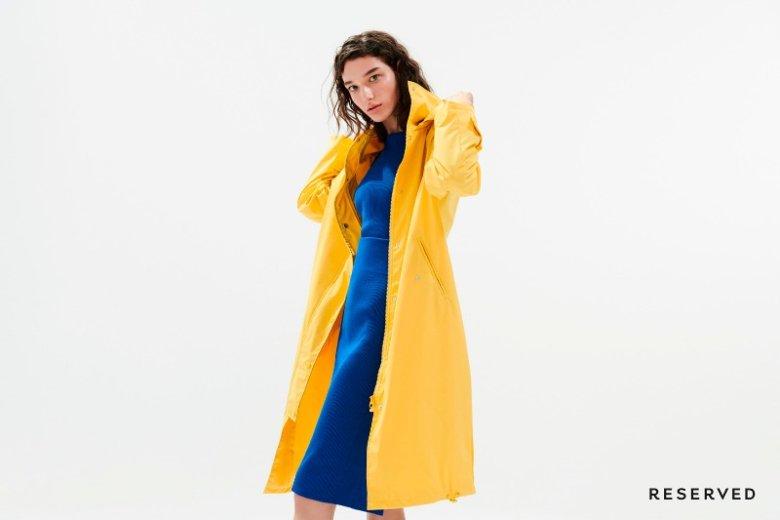 Żółte płaszcze, swetry, sukienki i dodatki w najbliższych miesiącach będą królować na ulicach
