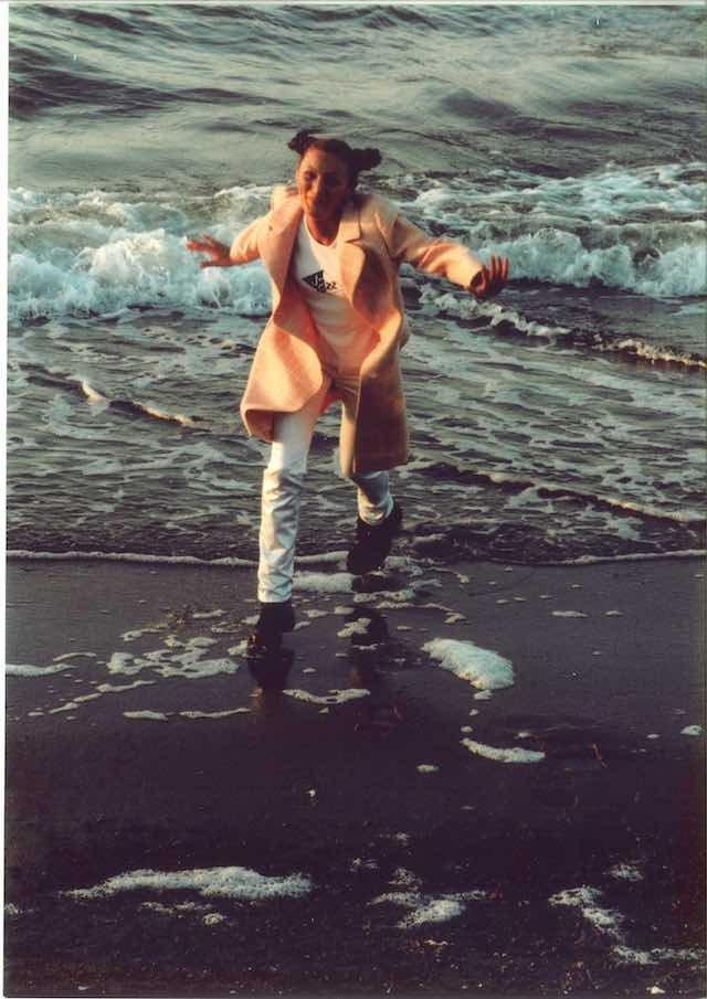 W Mielnie spędziła dzieciństwo. To właśnie z Mielna Reni Jusis podróżowała do Poznania czy Nowego Jorku, by tworzyć muzykę.