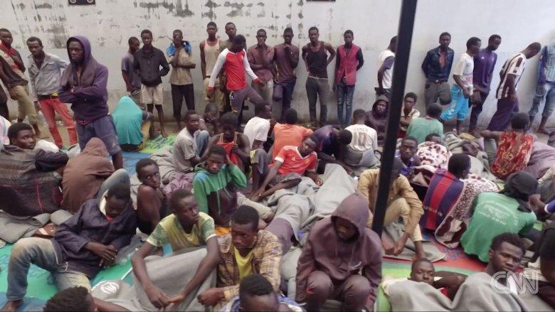 Takie warunki panująw libijskich obozach dla uchodźców.