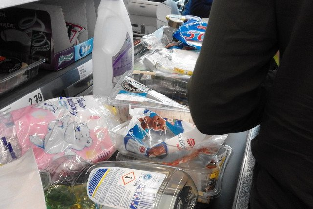 Jak naprawdę wygląda promocja w Lidlu, w ramach której można oddać produkty i dostać zwrot pieniędzy, informują internauci.