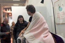 Wyczyn francuskiego artysty Abrahama Poinchevala wprawił prezentera TVN24 w atak śmiechu.