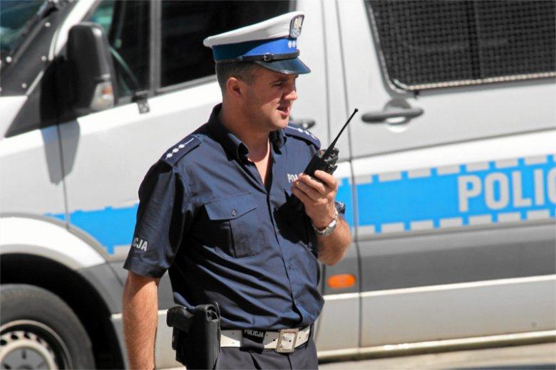 M.in. policja korzysta z nieszyfrowanych radiostacji, które są podsłuchiwane przez cwanych biznesmenów.