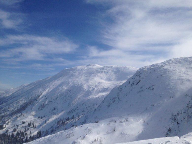 Ośnieżony Diablak - najwyższy szczyt Babiej Góry.