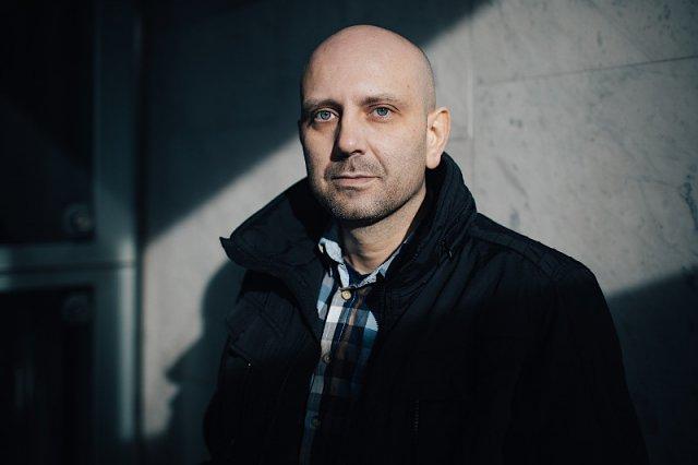Piotr ma 36 lat. Choruje na raka jelita grubego.