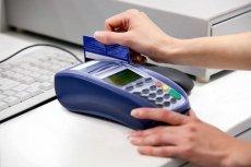 Według projektu Ministerstwa Finansów mielibyśmy więcej płacić za pomocą karty