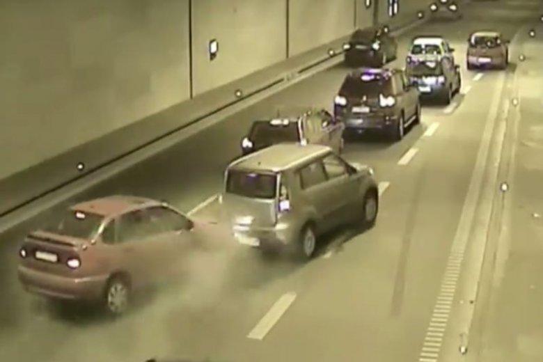 Gdański Tunel pod Martwą Wisłą chociaż funkcjonuje zaledwie dwa lata, to pełno w nim kolizji i niebezpiecznych sytuacji.