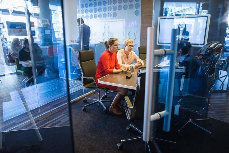 Anna Leśniak i Anna Ścieszka z Philip Morris Polska
