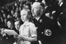 """""""Himmler. Buchalter śmierci"""". Zabijał miliony, a zginął jak tchórz"""