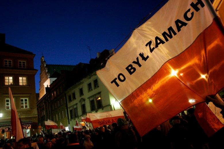 Manifestacja w rocznicę katastrofy smoleńskiej.
