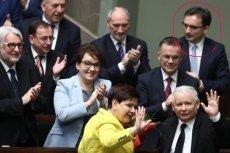 Tzw. ziobryści są niezadowoleni z aktualnych zmian na scenie politycznej. Przy zwycięskim dla rządu PiS głosowaniu nad wotum nieufności tylko na twarzy ministra sprawiedliwości nie malował się uśmiech.