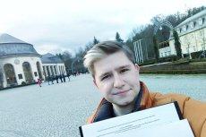 Kacper Rybitwa to działacz Młodych Demokratów we Wrocławiu. W Kudowie-Zdroju zebrał dla Małgorzaty Kidawy-Błońskiej 50 podpisów w godzinę.