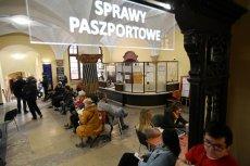 Polacy w czasie epidemii mają problem z wyrobieniem paszportu.