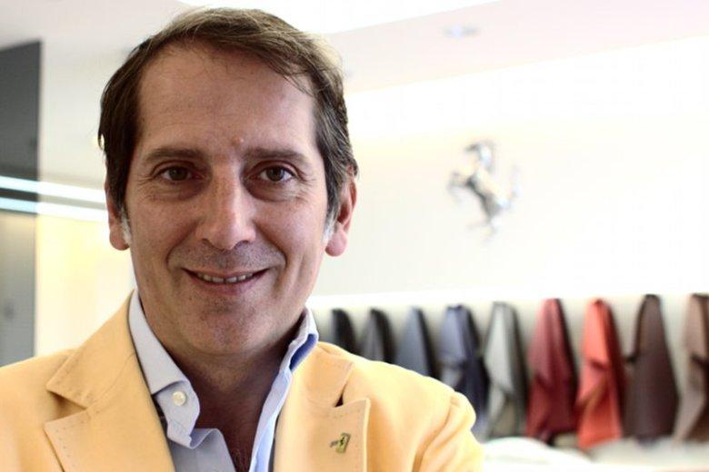 Dante Cinque w salonie Ferrari przy ul. Nowy Świat w Warszawie.