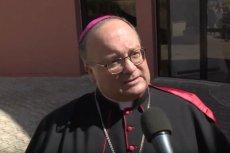 """Abp Charles Scicluna to """"terminator papieża"""" w walce z pedofilią. Franciszek przyjął go na audiencję."""