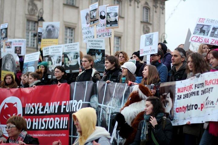 Protest w Dniu Bez Futra 2012
