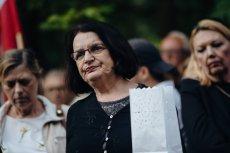 Małgorzata Rybicka podczas ekshumacji zwłok męża Arkadiusza Rybickiego na cmentarzu Srebrzysko w Gdańsku