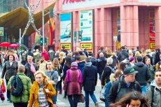 W centrum Berlina widać mnóstwo imigrantów, ale ostatniej fali uchodźców nie.