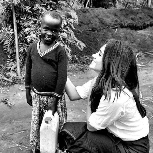 Meghan podczas misji w Rwandzie