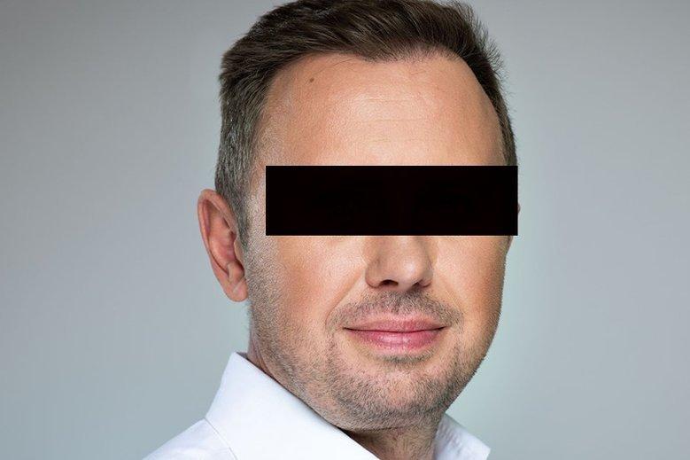 Burmistrz Włoch nie tylko wydał pieniądze na zagospodarowanie tarasu w ratuszu, ale też zatrudniał nadwornego fotografa.