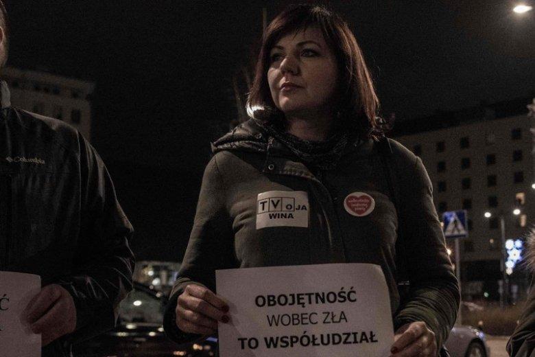 Gabriela Lazarek, aktywistka Obywateli RP, na protest przed siedzibą TVP przyjechała z Cieszyna.