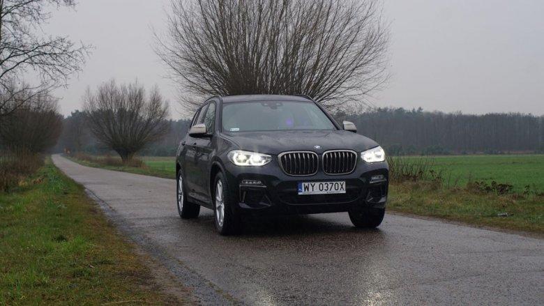 Masywny grill to znak rozpoznawczy wielu aut BMW i tu nie jest inaczej.