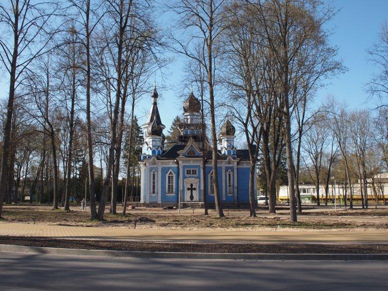 """Cerkiew Ikony Matki Bożej """"Wszystkich Strapionych Radość"""" w Druskiennikach. Wewnątrz zachował się oryginalny ikonostas ufundowany przez wnuczkę Michaiła Kutuzowa."""