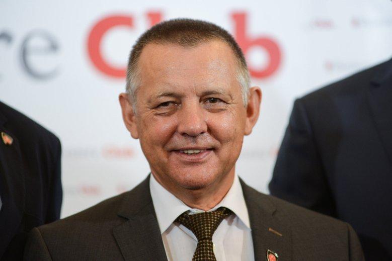 Szef NIK Marian Banaś naprawdę zawarł niezwykle korzystną umowę z emerytowanym żołnierzem AK