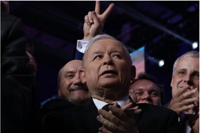 Szydło będzie się konsultować z Kaczyńskim i otwarcie się do tego przyznaje.