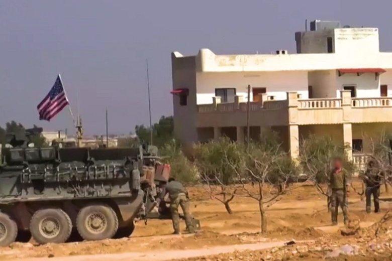"""""""Żołnierze amerykańscy"""" często twierdzą, że są na misji w Syrii lub w Afganistanie."""
