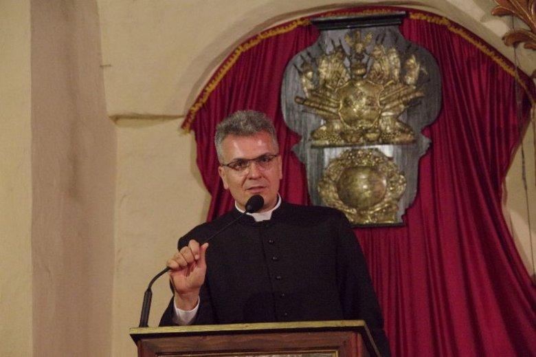 ks. Rafał Michalak z parafii polskokatolickiej w Gdańsku: – Nikogo nie potępiamy.