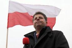 Europoseł Mirosław Piotrowski, łączony z nową partią, za którą ma stać ojciec Tadeusz Rydzyk, ostro skrytykował PiS w felietonie na antenie Radia Maryja i Telewizji Trwam.