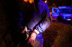Pijany mężczyzna szedł z pistoletem maszynowym z Supraśla do Białegostoku.